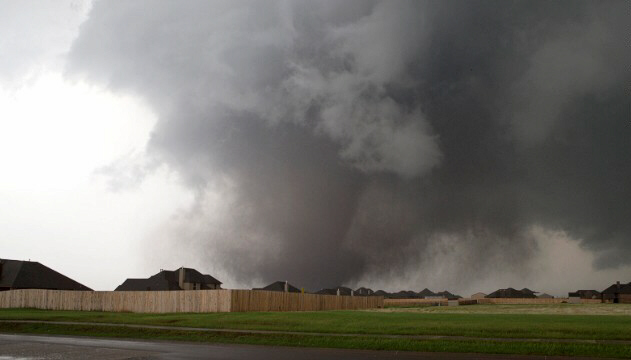 A massive tornado approaches Moore on May 20