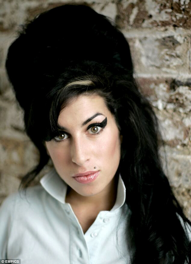 "Amy Winehouse: death remains ""mysterious"" and ""unexplained"" pending autopsy"