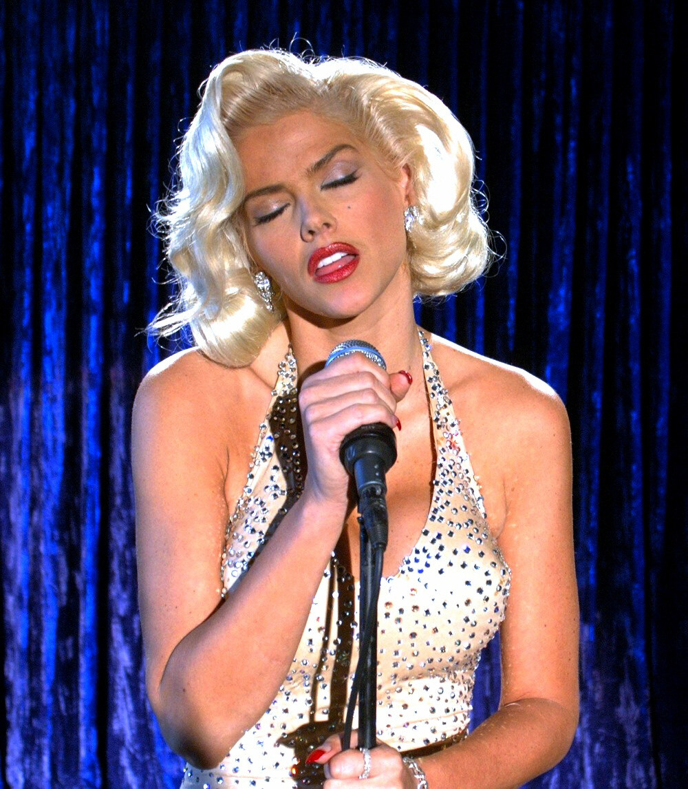 Anna Nicole Smith does Marilyn Monroe