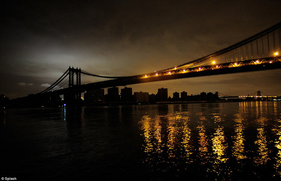 Blackout - A view of New York along the East River, Brooklyn side