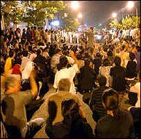 Crowd at second night of anti-government demonstrations in Tehran - June 11, 2003