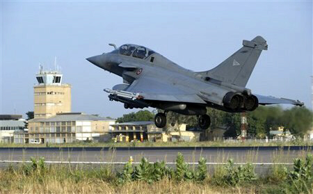 French Rafale jetfighter landing after a mission to Mali