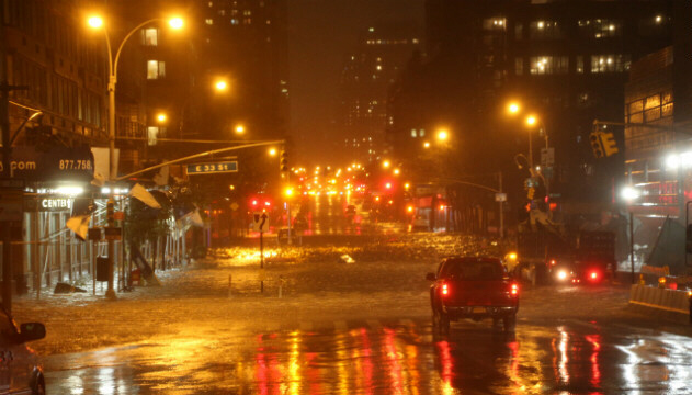 Heavy rains fall in Manhattan on Monday