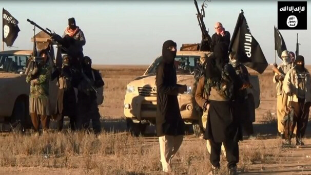 ISIL militants gather at Iraq's Nineveh province