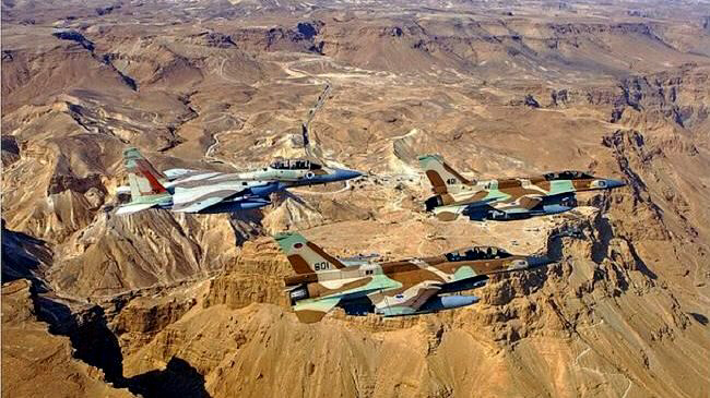Israel jets move to strike Syria military base on 13 October 2013