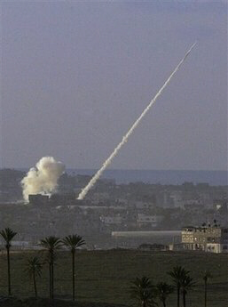 Israel retaliates against Gaza rocket attacks