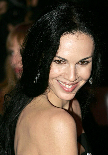 L'Wren Scott killed herself by hanging