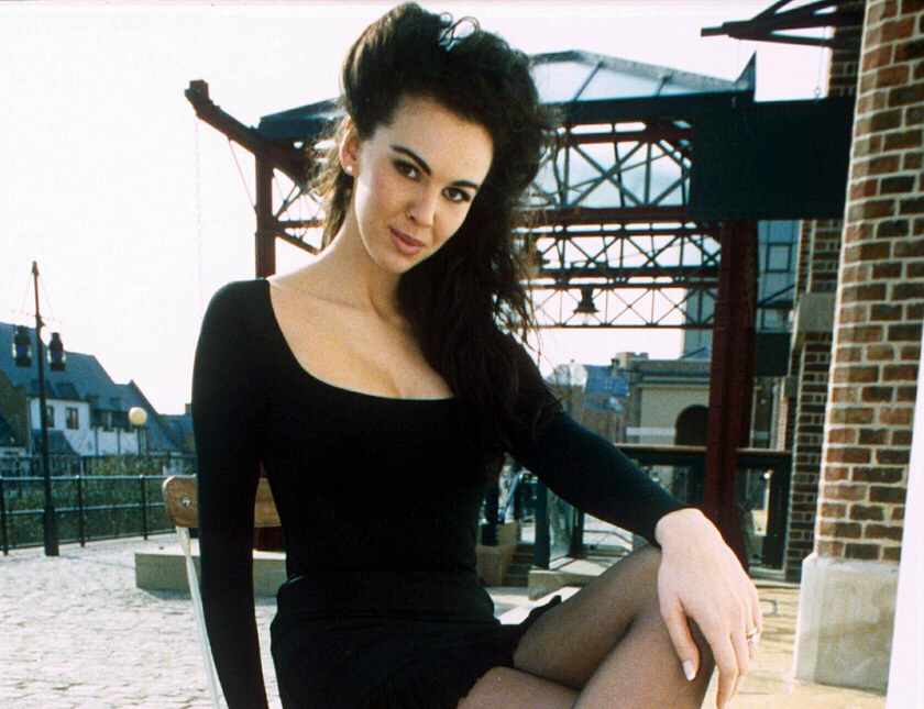 L'Wren Scott hanged herself with a necktie and a scarf