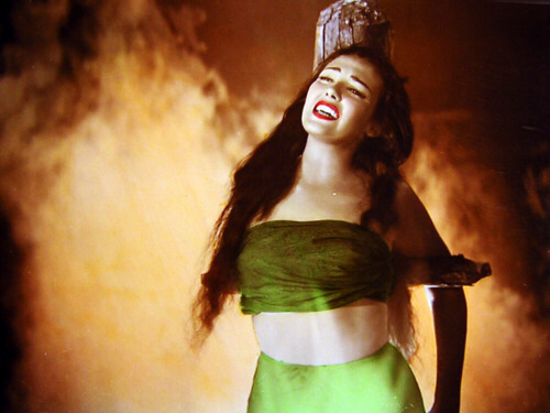 Linda Darnell burned at the stake in Anna and the King of Siam (1946)