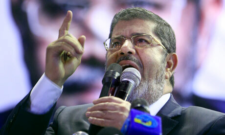 Mohammed Morsi addresses supporters in Cairo