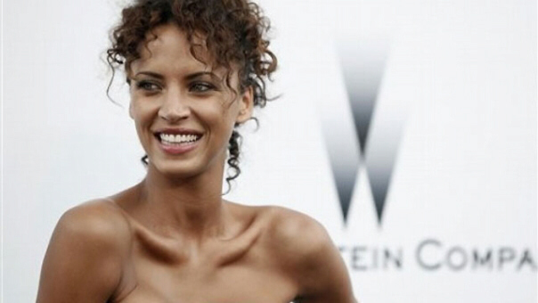 Noemie Lenoir tried to do herself