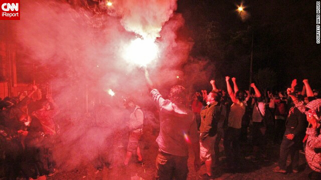 Protesters chant and surround flare in Istanbul