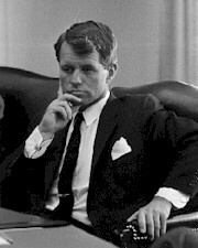 Robert Kennedy gave order to allow Marilyn to die