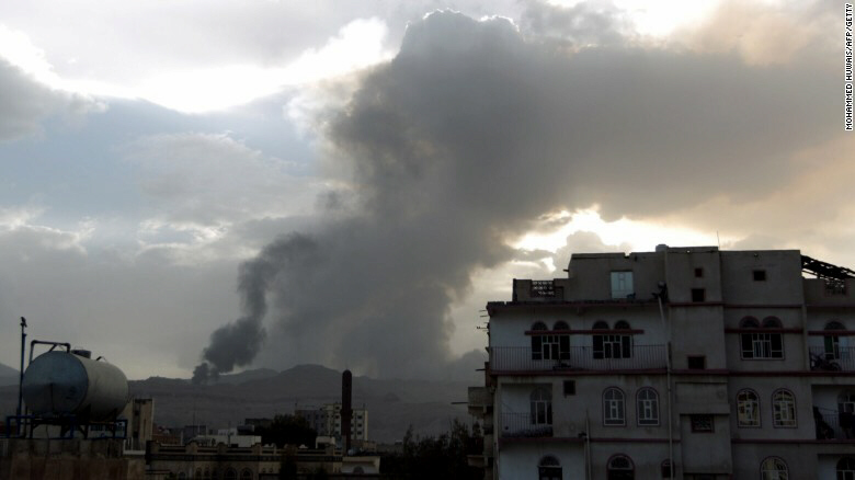 Saudi planes pound Houthi rebel positions around Yemen