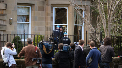 Rioters have attacked the home of the former Royal Bank of Scotland chief, Sir Fred Goodwin