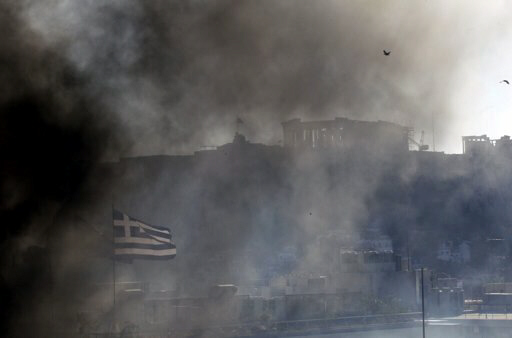 Smoke fills Athens during riots 10-19-12