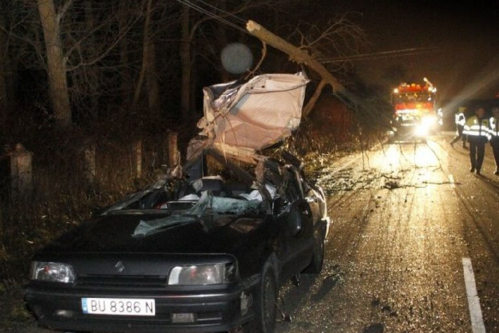 Storms batter France, killing at least 45
