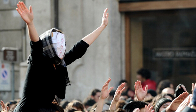 Students in Italy protesting government education reforms