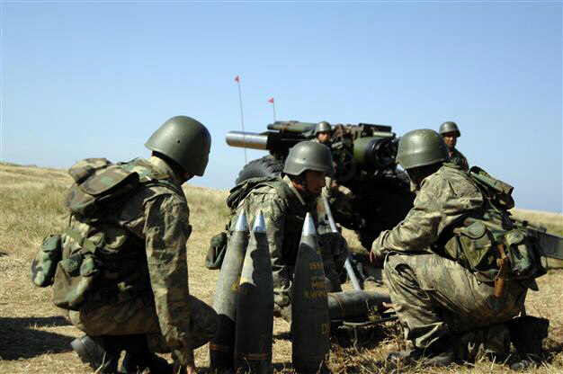Turkish artillery barrage against Syria