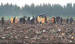 People search remains of Turkish plane crash