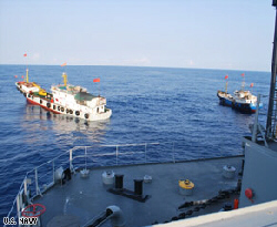 Two Chinese trawlers force The Impeccable to come to a stop