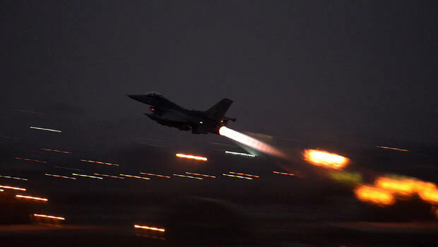 US launches manned airstrikes against ISIL from air bases in Turkey